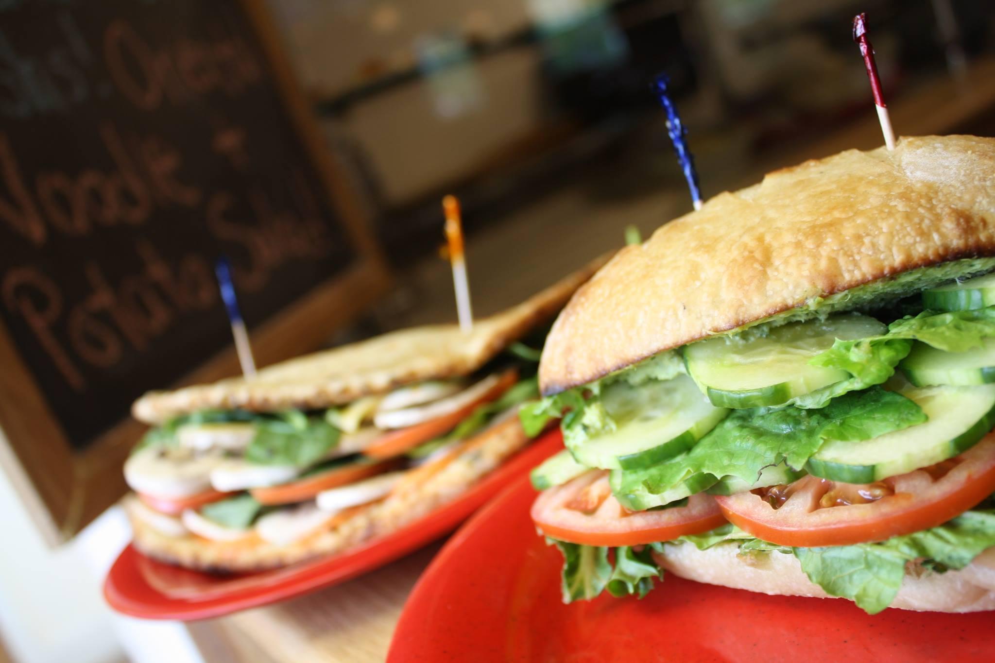 Ramuntos_pizza_clairemont_Keene_Flashfire_pizza_and sandwiches.jpg
